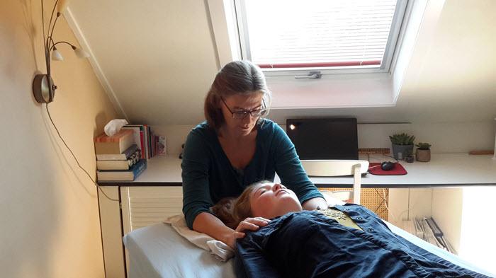 cranio-sacraal-therapie-hoogland-amersfoort-behandelen_client3