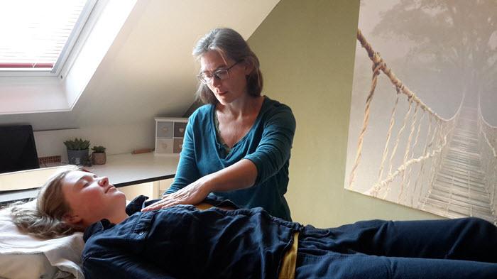 cranio-sacraal-therapie-hoogland-amersfoort-behandelen_client4